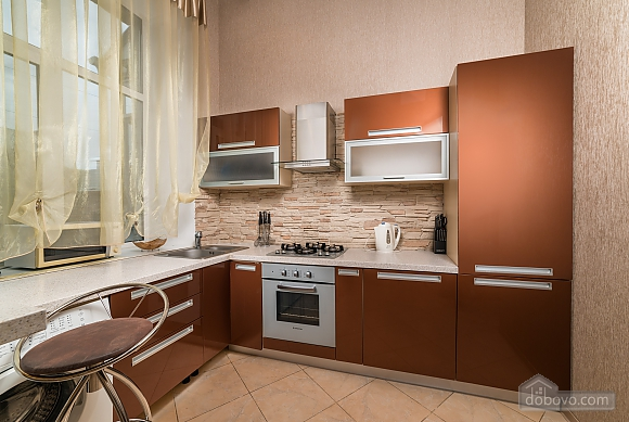 Spacious European apartment with Jacuzzi in two steps from Khreschatyk, Un chambre (98962), 011