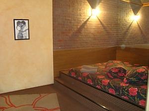Квартира біля облдержадміністрації, 1-кімнатна, 001