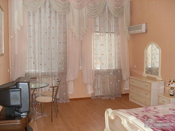 Apartment close to Deribasivska, Due Camere (20266), 005