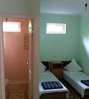 Private sector, Sieben+ Zimmern, 004