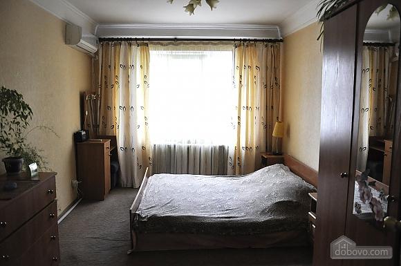 Квартира на Лукьяновке, 2х-комнатная (14616), 001