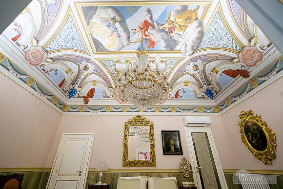 Великолепный дворец, 5ти-комнатная (10279), 002
