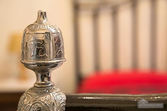 Великолепный дворец, 5ти-комнатная (10279), 017