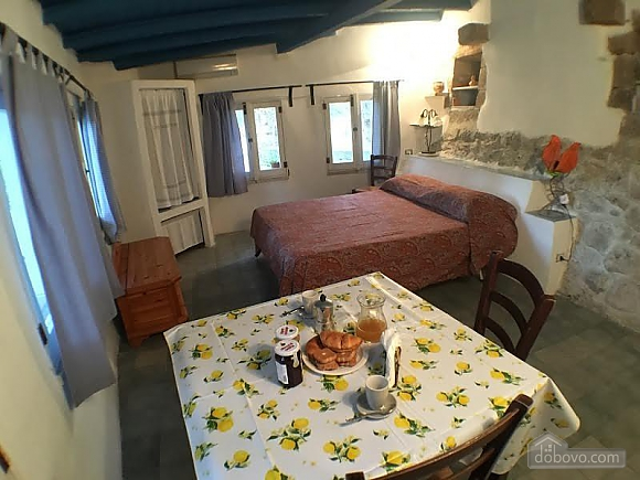 Generous Garden Holiday House, One Bedroom (58474), 012