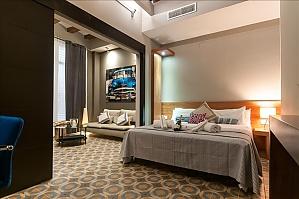 Dali, One Bedroom, 001