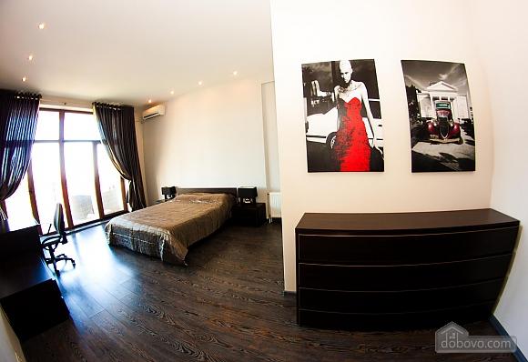 Аркадіївський палац, 3-кімнатна (96500), 001