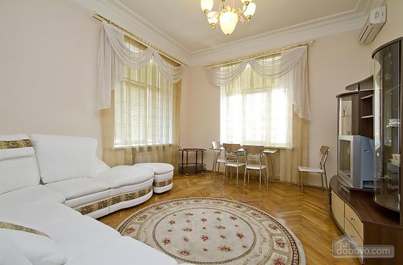 Уютная квартира в центре Киева, 2х-комнатная (49408), 003
