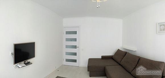 Шикарная квартира, 1-комнатная (64536), 002
