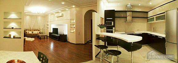 Шикарні апартаменти, 3-кімнатна (51227), 008