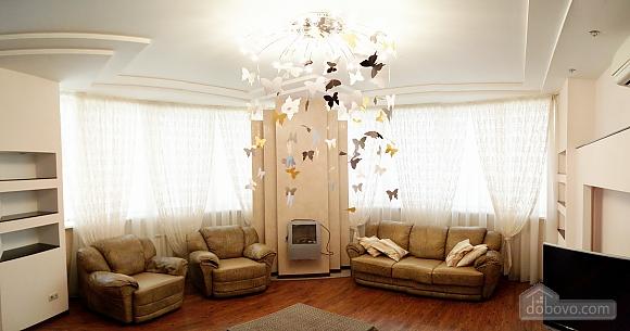 Шикарні апартаменти, 3-кімнатна (51227), 001