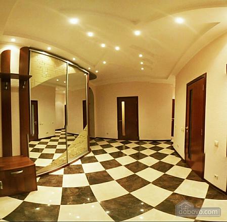 Шикарні апартаменти, 3-кімнатна (51227), 024