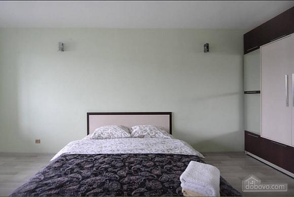 Квартира в центрі поруч з метро Вокзальна-Олімпійська-Університет, 2-кімнатна (39545), 006