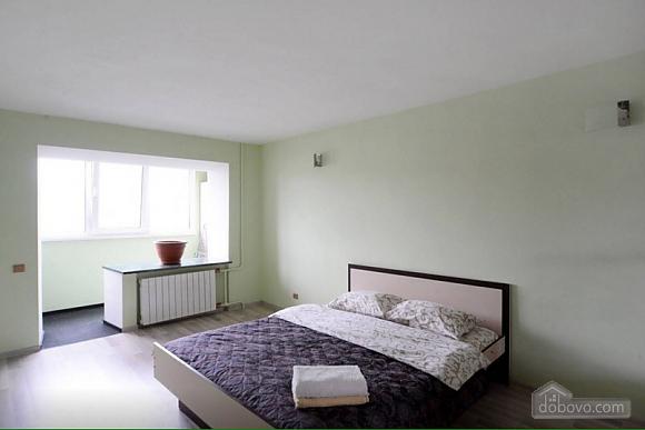 Квартира в центрі поруч з метро Вокзальна-Олімпійська-Університет, 2-кімнатна (39545), 008