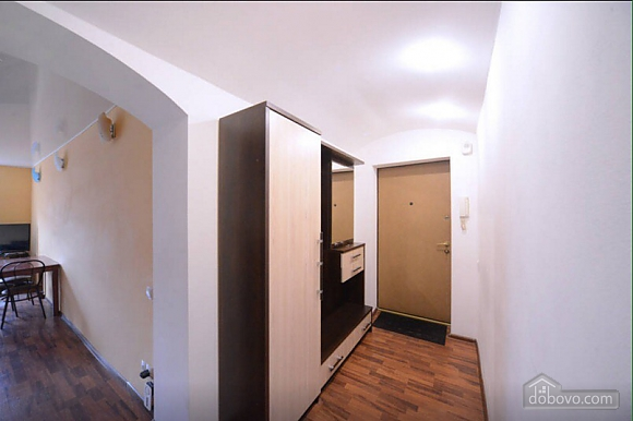 Квартира в центрі поруч з метро Вокзальна-Олімпійська-Університет, 2-кімнатна (39545), 009