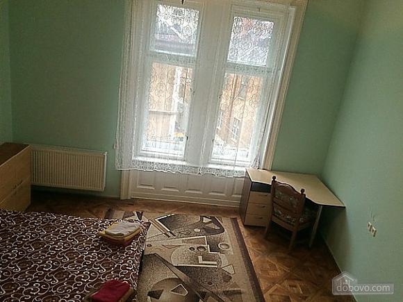 Квартира в центре, 2х-комнатная (37038), 004