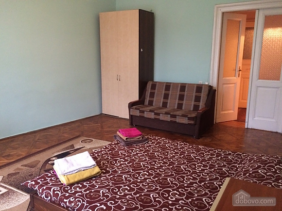 Квартира в центре, 2х-комнатная (37038), 009
