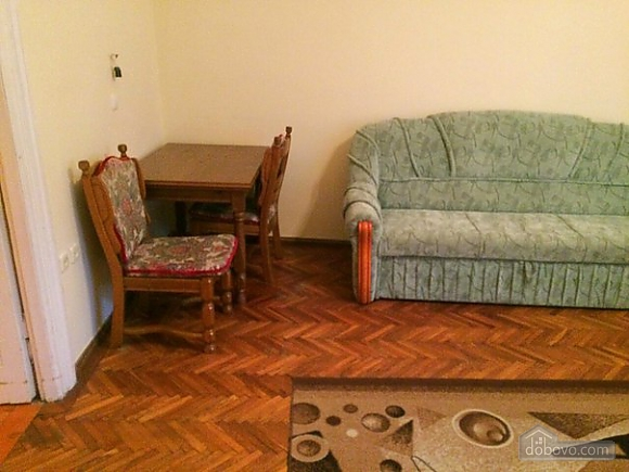 Квартира в центре, 2х-комнатная (37038), 014