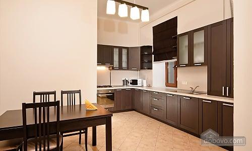 Эксклюзивные VIP апартаменты, 3х-комнатная (15782), 003