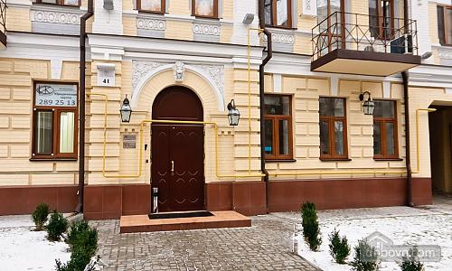 Эксклюзивные VIP апартаменты, 3х-комнатная (15782), 010