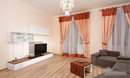 Эксклюзивные VIP апартаменты, 3х-комнатная (15782), 002