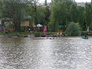 Дом с камином на берегу озера, 4х-комнатная, 004