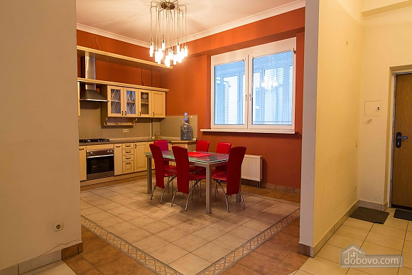 Apartment opposite the monument of Danylo Galytskyi, Trois chambres (42028), 008