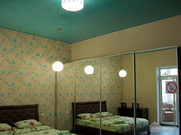 Квартира в центре города, 1-комнатная (31442), 006