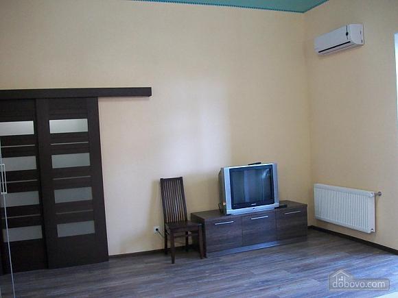 Квартира в центре города, 1-комнатная (31442), 007