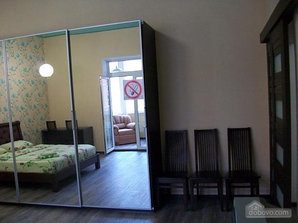 Квартира в центре города, 1-комнатная (31442), 011