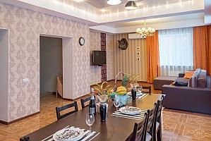 Гостьовий будинок в царському стилі з російською лазнею, 6-кімнатна, 001