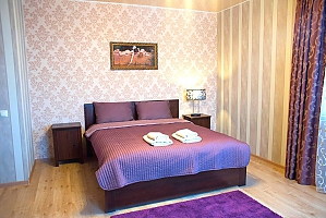 Гостьовий будинок в царському стилі з російською лазнею, 6-кімнатна, 003