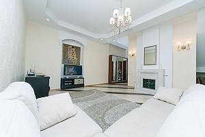 Huge two-storied penthouse, Three Bedroom, 001