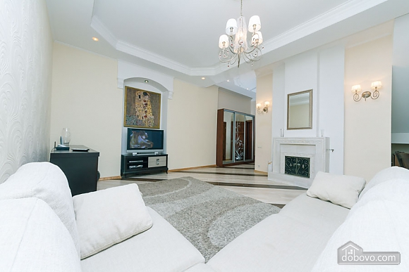 Huge two-storied penthouse, Three Bedroom (28864), 001