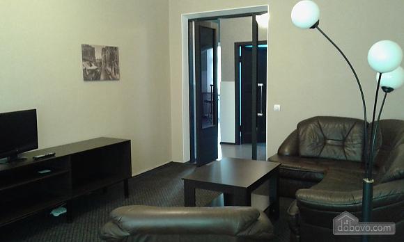 Квартира в центре, 2х-комнатная (14973), 001