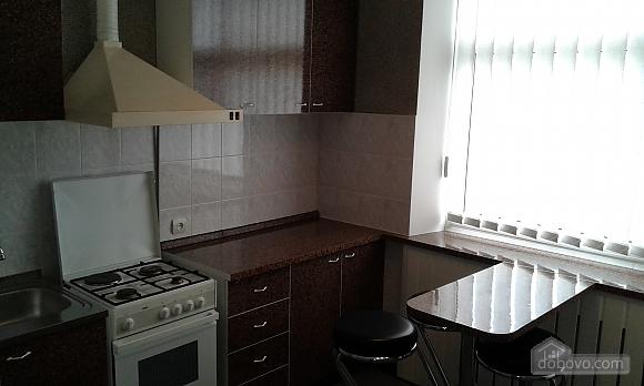 Квартира в центре, 2х-комнатная (14973), 010