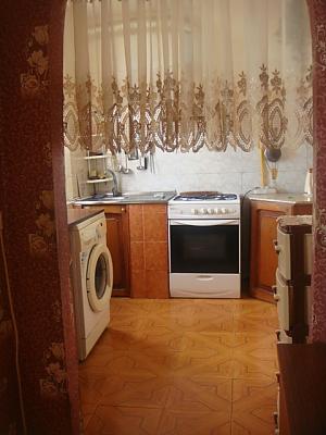Уютная квартира возле моря, 3х-комнатная, 004