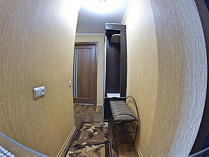 Apartment near the fountain, Un chambre, 002
