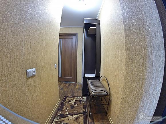 Квартира біля фонтану, 2-кімнатна (44833), 002