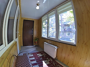 Apartment near the fountain, Un chambre, 011