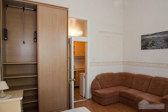 Уютная квартира в прекрасном районе, 1-комнатная (89197), 004