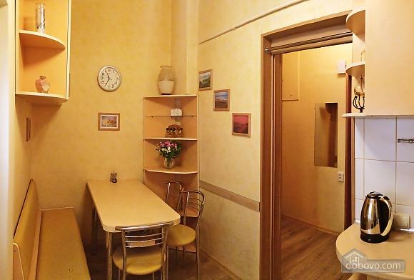 Уютная квартира в прекрасном районе, 1-комнатная (89197), 010