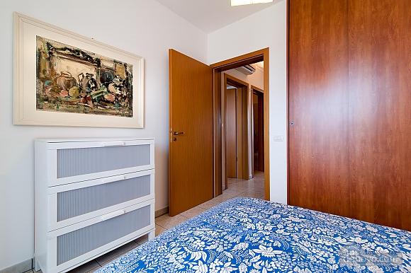 Not big house, One Bedroom (95795), 013