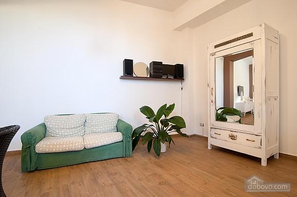 White openspace, Un chambre (30356), 009