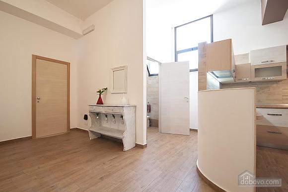 White openspace, Un chambre (30356), 011