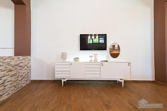 White openspace, Un chambre (30356), 012