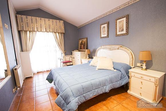 Yolanda Castellar, Quatre chambres (10014), 017