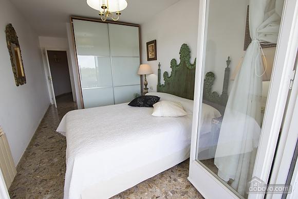 Carmen Abrera, Cinq chambres (72664), 035