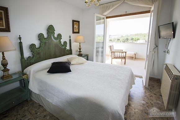 Carmen Abrera, Cinq chambres (72664), 037
