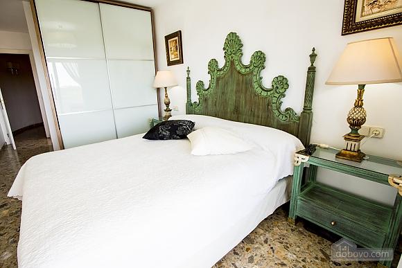 Carmen Abrera, Cinq chambres (72664), 038