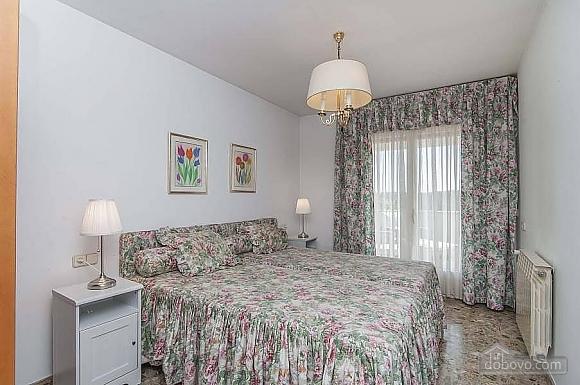 Carmen Abrera, Cinq chambres (72664), 044